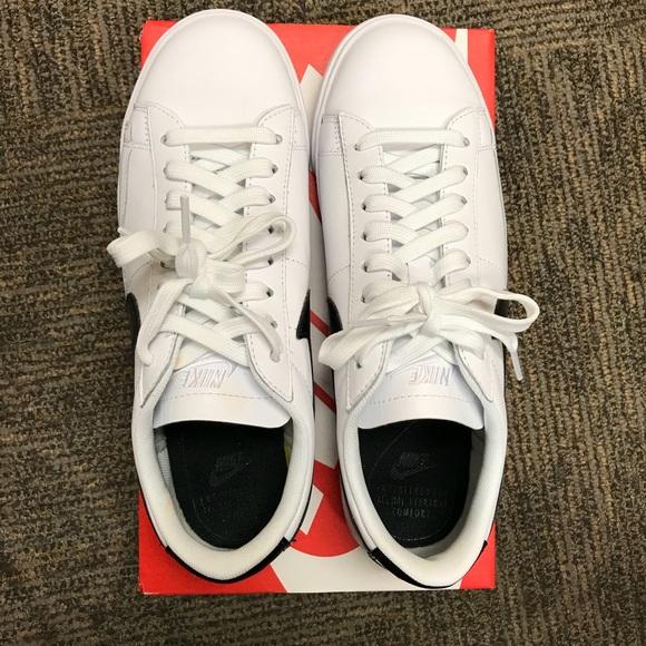 brand new 2fcda 9ac7d NWT Nike Blazer low ESS sneaker NWT